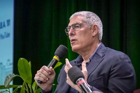 Alumnus Lyor Cohen, global head of music for YouTube